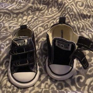 Converse baby size 4 shoe